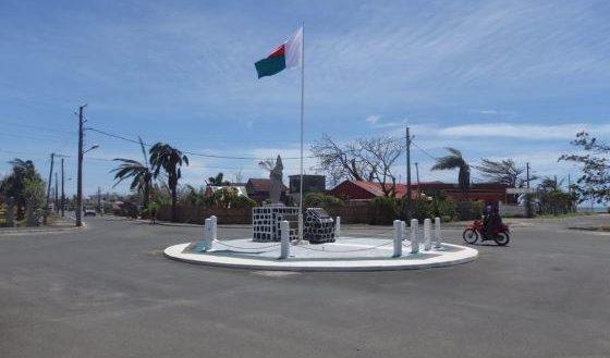 Post ENAWO Antalaha Place de l'Indépendance Commune urbaine