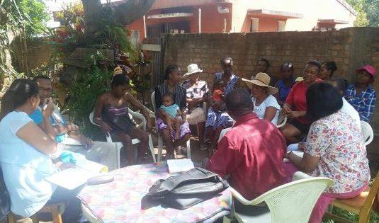 Dialogue partenaires sociaux institutions sur le developpement